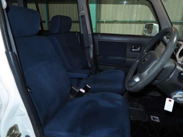 お買い得車の車を在庫に置いてあります。尚、農業で使われる作業車関連なども置いてありますのでお気軽にカーセンサーを見た♪とお願いします。
