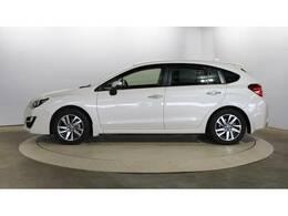 現車を確認出来ない方は、オンライン商談(ZOOM等)にて内外装を確認する事も出来ます。