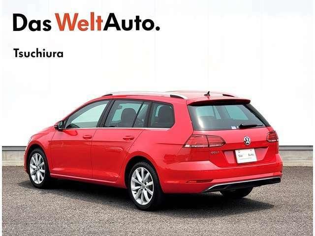 VW認定中古車では納車前点検といたしまして、VWテクニカルマイスターによる71項目の点検整備をいたします。エンジンオイル、オイルフィルター、ワイパーブレード新品交換しております。