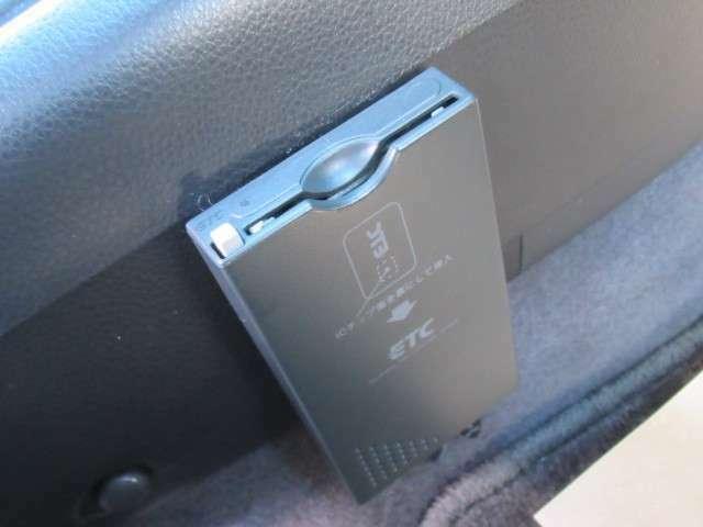 高速道路必須アイテムのETC装備です。最近はスマートインターチェンジも増えてきたので便利ですね。