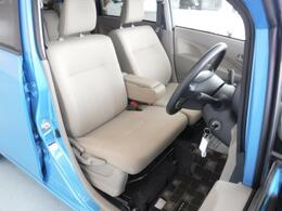 展示車両は全車、ルームクリーニング済みで展示しております。室内はもちろん、エンジンルームも洗浄してあります。