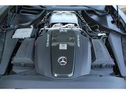■出力557ps(カタログ値)■トルク69.3kg(カタログ値)■V型8気筒DOHCツインターボ■排気量3982cc■エンジンルームも綺麗に磨かれており、エンジン下のオイル漏れも御座いません。■