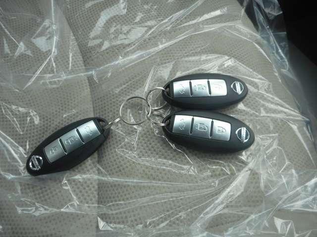 インテリジェントキー付車、バックからキーを取り出す事無く ロックの開閉、エンジンの始動が可能 とても便利です