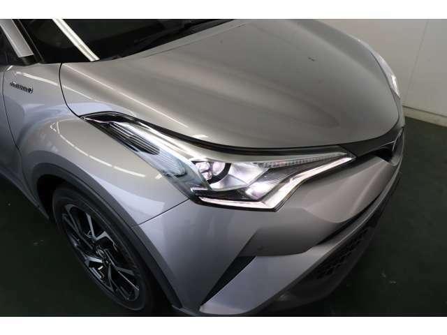 LEDヘッドライト装備!暗い夜道や視界の悪い日でも快適ドライブが楽しめます♪見た目もかっこよく見えますよ!