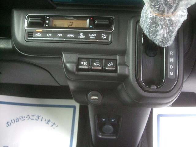 オートエアコン フロント左右シートヒーター USBソケット