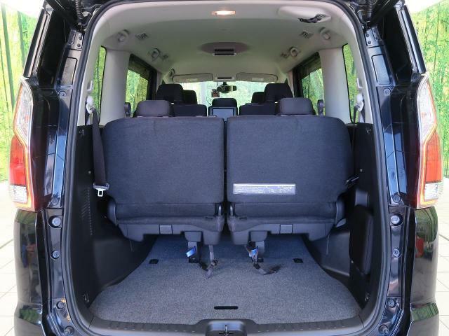 広々開放的なトランク♪お買い物のお荷物も楽々乗せることが可能です☆そして、ご家族ご友人が乗っても広々です♪