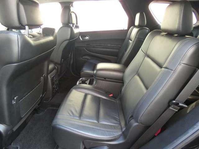 シートヒーターも付いており、センターコンソールなど快適なドライブをサポート致します。