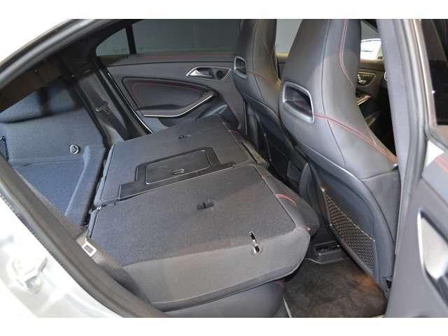 自動車保険に関しても、メルセデス・ベンツ専用のプログラムをご用意しております。飛び石や落下物などでのフロントガラスの修理が必要となった場合、最大で9万円分の補償を致します。