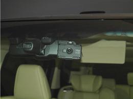 【ドラレコ】いま流行りのドライブレコーダー。映像や音声を自動で記録することが出来ます。
