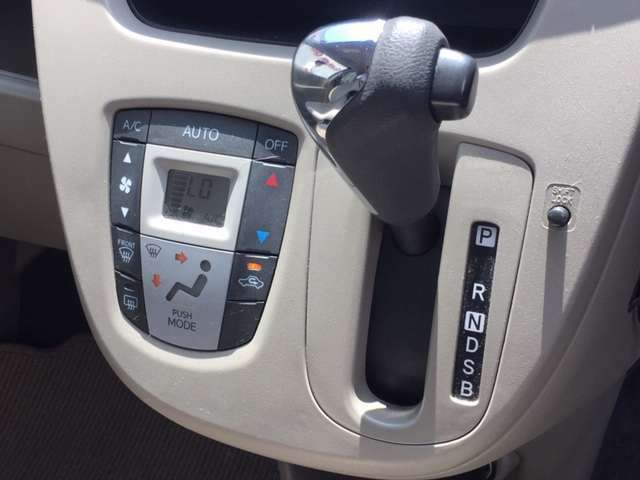 ☆シフトレバー シフトも操作しやすく快適なドライブを楽しんでいただけます♪