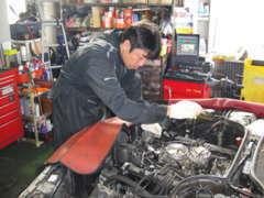 専門のメカニックがお車をサポートしますのでアフターも安心!