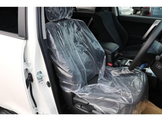 柔らかめなモケットシート!座り心地もグッド!シートカバーも多種取り扱いございますのでご相談ください。