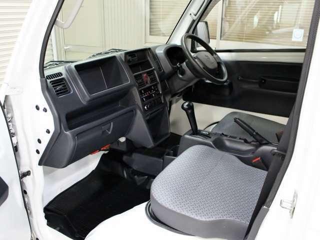 フロント・前後ドライブレコーダーも取り扱っております!事故の記録に!趣味としても!必須アイテムです。自分を守る為にも是非おすすめ致します(*´ω`*)