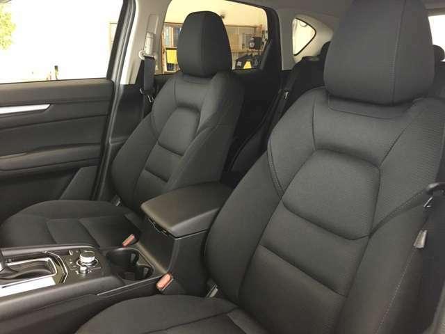 運転席同様に助手席もシートヒーター完備♪寒い冬には必需品ですね♪