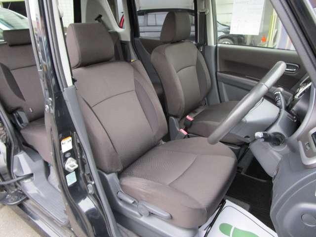 視認性の良いドライバーシート。