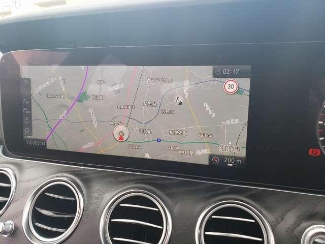 【コマンドシステム】ナビゲーション機能は3D表示で分かり易いルート案内を行ってくれますまたオーディオはAM/FM/地デジ/SD/USB/Bluetoothオーディオとお愉しみ頂けます。