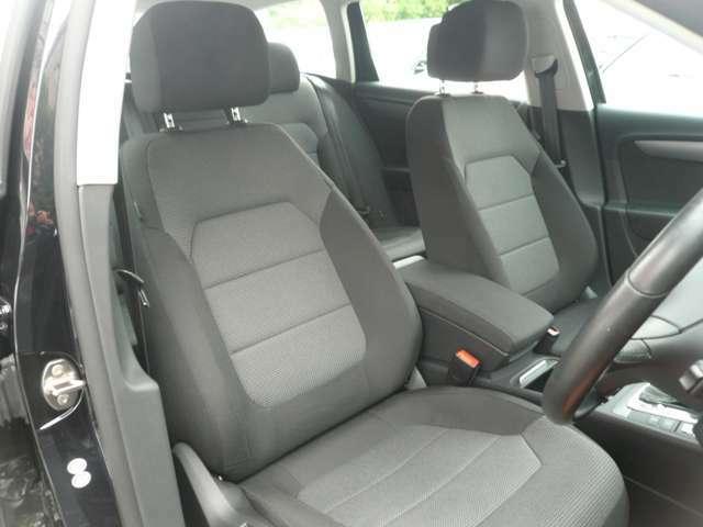 運転席もヘタレも無く綺麗で、乗り心地も良いです。長時間の運転でも、楽だと思います。