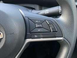 【 クルーズコントロール 】高速走行等でアクセルペダルを踏まずとも設定した速度を維持してくれるのでドライバーの負担軽減に繋がりますね!