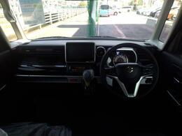 とても見晴らしの良いお車で運転もしやすく後席の余裕もかなりございます!