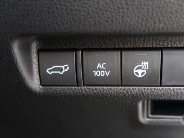 電動リアゲート装備☆重たいリアゲートもボタンひとつでオープン&クローズが可能です♪