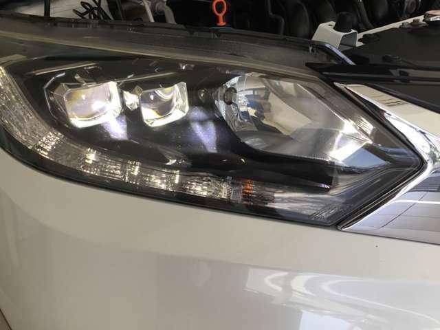 LEDライトは夜道を明るく照らし夜間走行の精神的負担を和らげてくれます。これで夜道も安心して運転できますね。