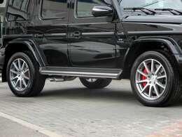 20インチAMG10スポークアルミホイール タイヤサイズ:275/50R20(フロント・リア) 電子制御ディファレンシャルロック クロスカントリーギア アダプティブブレーキ(ホールド機能・ヒルスタートアシスト)