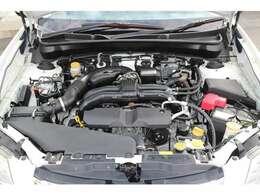 2.5リッター水平対向エンジンが搭載されております。