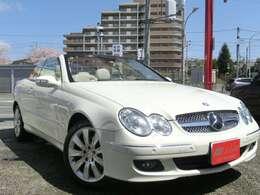 これかの季節にピッタリのお車です!綺麗な純白の内外装でナビもブルートゥース対応ナビでドライブも楽しめます!