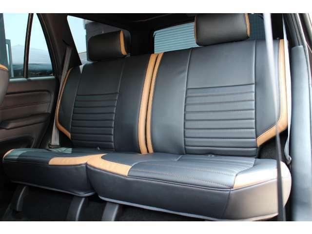 【シートに注目】運転席、助手席だけじゃないです。後部座席もシート張り替えちゃいました!