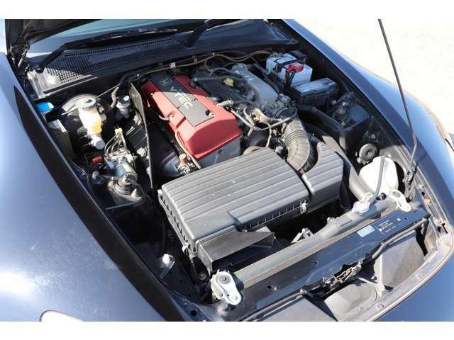 エンジン回りもアーシングがされてあるぐらいで、ほとんどノーマルで、今のところは気になる異音や不具合等もございません!