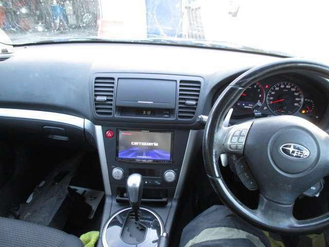 助手席エアバックがついてきます。大切な方を安全と安心でお守りします。また、任意保険料もおやすくなるので、財布にもやさしいですよ。 安心して乗っていただけるよう、点検、整備には力を入れて取り組んでます