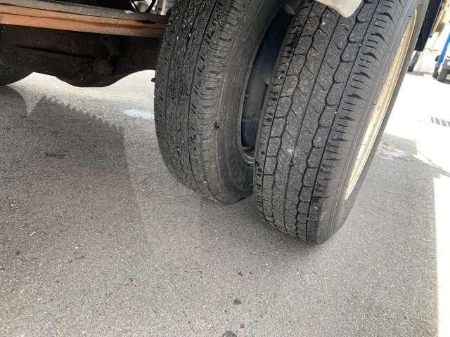 お車の状態はお客様で、試乗してご確認いただけます。気になる傷などはサービスで板金塗装可能です。お問い合わせ先【無料電話】0078-6002-362048まで♪