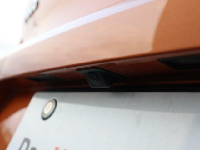 バンパー埋め込み型バックカメラが付いております。