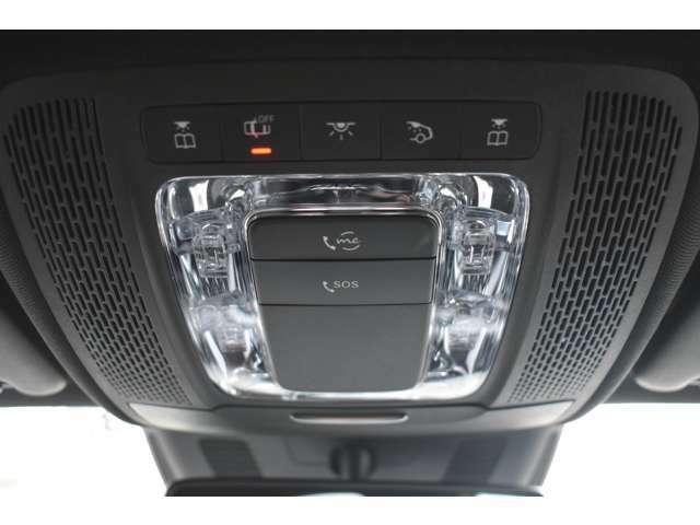 万一の車両トラブルやクルマの使い方が分からない時もボタン一つでオペレーターが対応するコネクトサービスを装備。