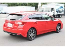 平成28年式、真っ赤なボディがまぶしいインプレッサスポーツが新入荷いたしました!グレードは「2.0i-Lアイサイト」です!、8インチビルトインナビを装着した、装備充実のおすすめ車です!静岡スバル