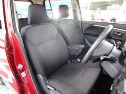 ベンチシートを採用することにより車内を広く感じさせてくれます!