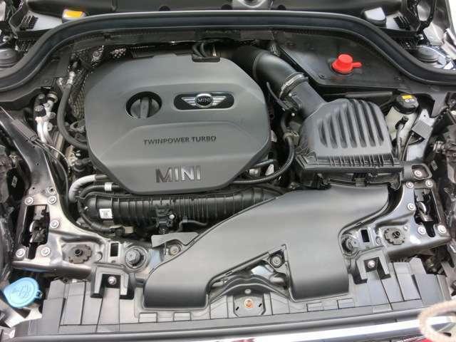 ハイパワーエンジンでときめきのドライブをお楽しみ下さい。