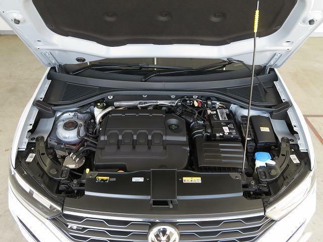 2.0L TDIエンジン:7速DSGの組み合わせにより切れ目のない滑らかな加速を実現しました。スポーティな走りも、ディーゼルの高い経済性を活かしたロングドライブも、どんなシーンも得意です。