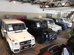 本社ショールーム内には新車のブラバスコンプリートカーを展示。
