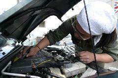 認証工場で整備・車検・修理も安心。