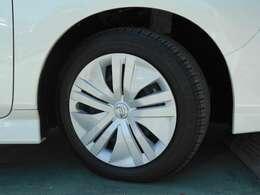 純正ホイールキャップ タイヤサイズは205/55R16です。