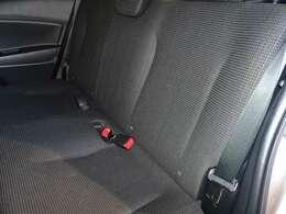 後部座席シートです。目立った汚れもなくキレイです!