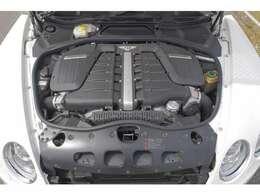 6000cc W12気筒ツインターボエンジン
