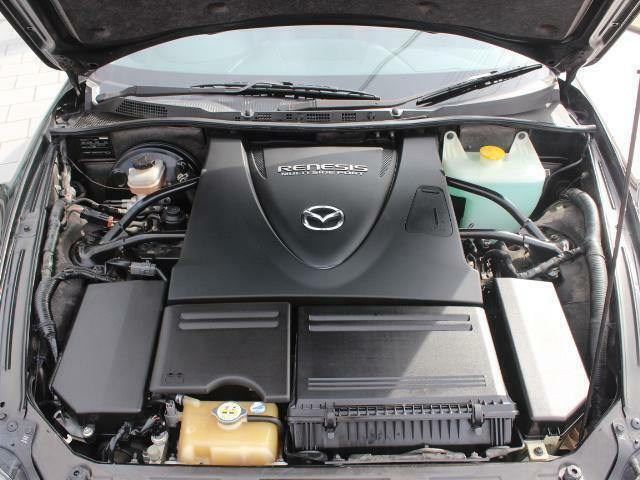 ロータリーエンジン カタログ値235馬力。