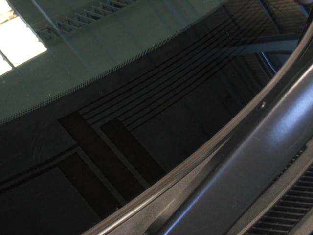 ★左右独立温度コントロールフルオートエアコン&静電タッチ式ヒーターコントロールパネル(外気温表示機能、湿度センサー付)★ナノイー(フロント・リヤ)★リヤオートエアコン(リヤクーラー+リヤヒーター)