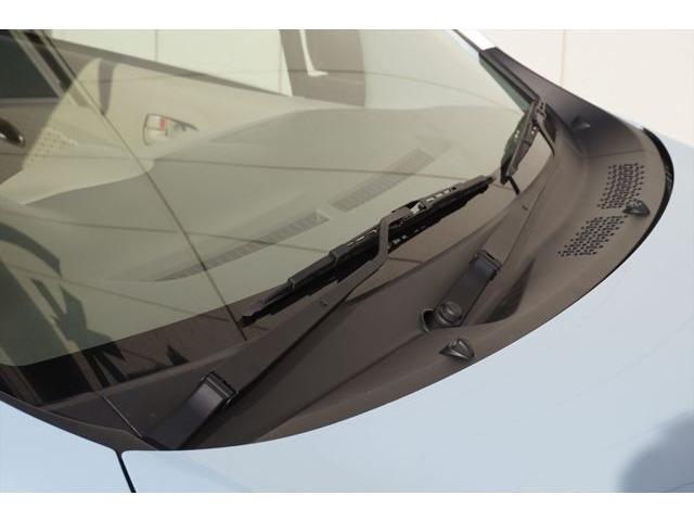 カウルトップパネryは一度取り外して艶消しブラックで塗装済みです。