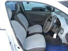 コンパクトでも車内は十分な広さがありますよ。