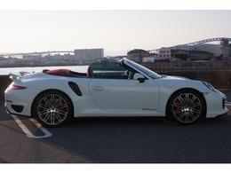 ポルシェ 911カブリオレ ターボ PDK レッドシート レッドメーター&カーボン