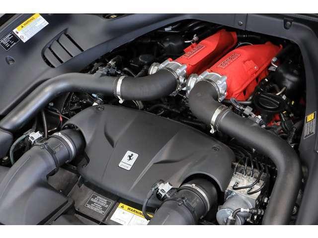 3.9L直噴ターボエンジンが出力560ps、トルク755N・mのハイパフォーマンスを発揮します。(メーカーカタログ値参照)
