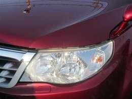 とても明るく夜間も安全のHIDヘッドライト搭載!